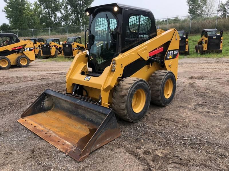 Caterpillar MINIÎNCĂRCĂTOARE RIGIDE MULTIFUNCŢIONALE 236 D equipment  photo 2