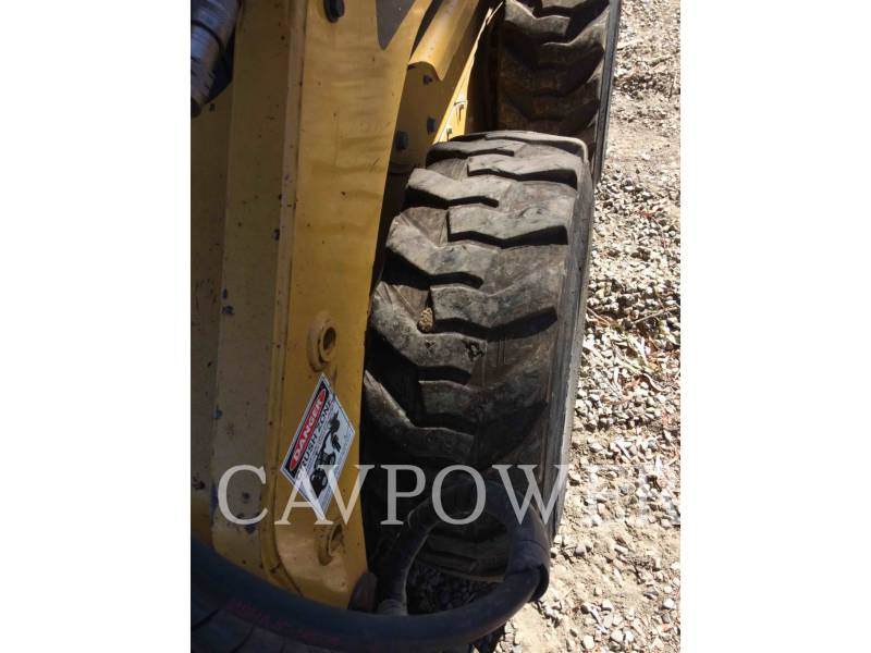 CATERPILLAR SKID STEER LOADERS 226B3LRC equipment  photo 15