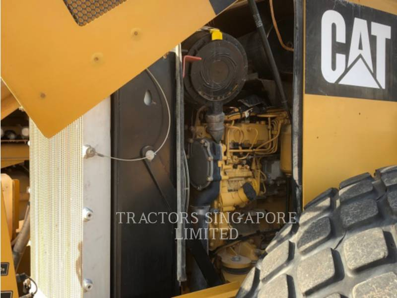 CATERPILLAR VIBRATORY SINGLE DRUM SMOOTH CS-533E equipment  photo 19
