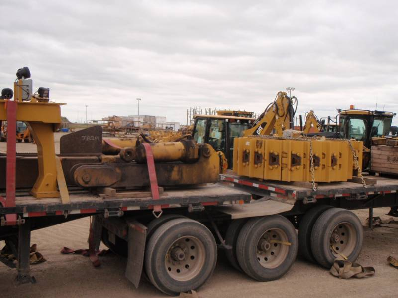 CATERPILLAR TRACTORES DE CADENAS D11T equipment  photo 12