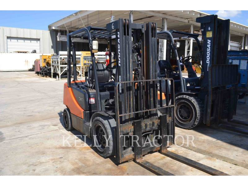 DOOSAN INFRACORE AMERICA CORP. MONTACARGAS D30S-5 equipment  photo 2