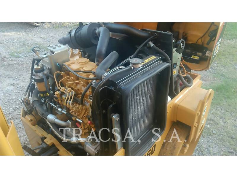 CATERPILLAR ROLO COMPACTADOR DE ASFALTO DUPLO TANDEM CB24 equipment  photo 14