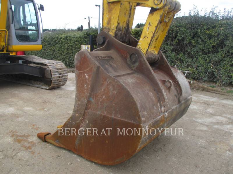 FORD / NEW HOLLAND TRACK EXCAVATORS E385 equipment  photo 13
