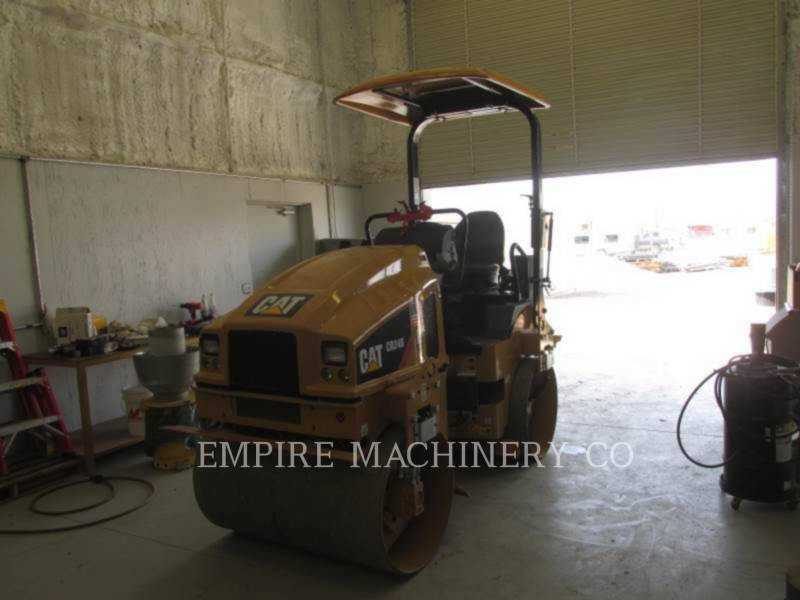 CATERPILLAR 振動ダブル・ドラム・アスファルト CB24B equipment  photo 4