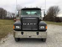 MACK CAMIONS ROUTIERS CNH613 equipment  photo 2