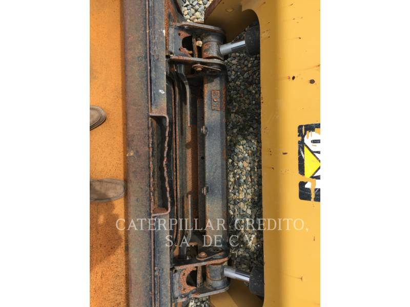 CATERPILLAR SKID STEER LOADERS 246DLRC equipment  photo 13