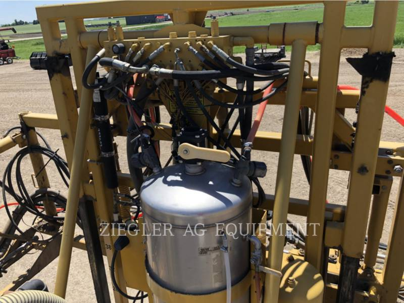 AG-CHEM SPRAYER 854 equipment  photo 24