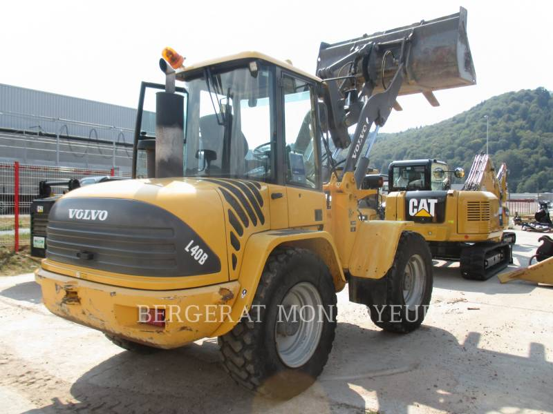 VOLVO CONSTRUCTION EQUIPMENT PALE GOMMATE/PALE GOMMATE MULTIUSO L40B equipment  photo 3