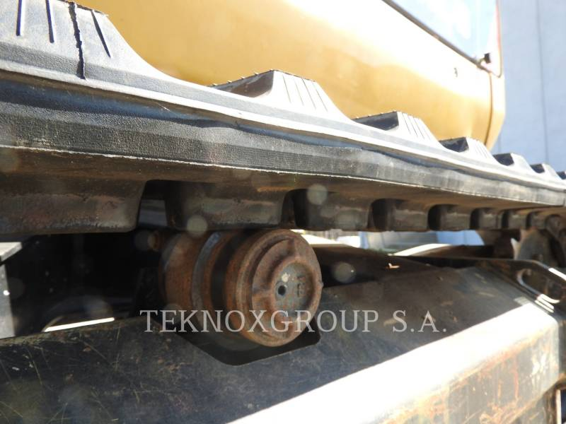 CATERPILLAR EXCAVADORAS DE CADENAS 302.4D equipment  photo 17