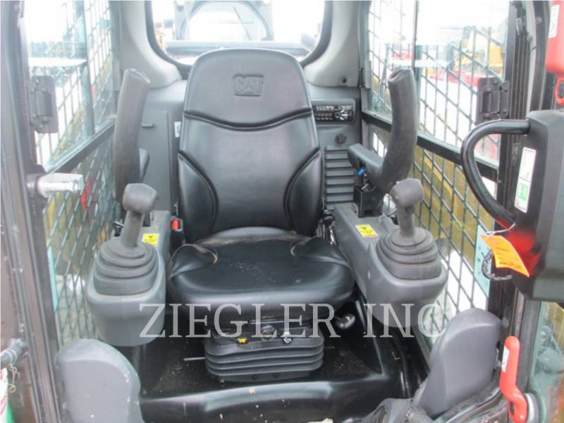 CATERPILLAR CHARGEURS COMPACTS RIGIDES 232DS equipment  photo 5