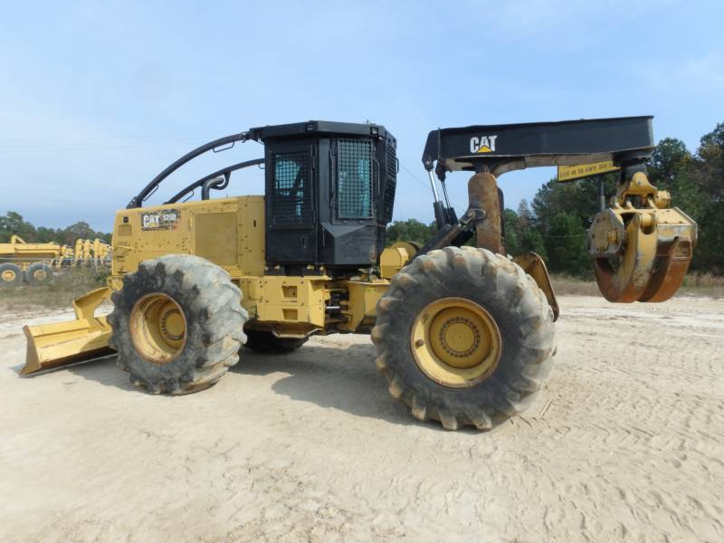 CATERPILLAR EXPLOITATION FORESTIÈRE - DÉBARDEURS 525D equipment  photo 2