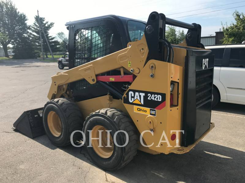 CATERPILLAR SKID STEER LOADERS 242D C3 equipment  photo 6