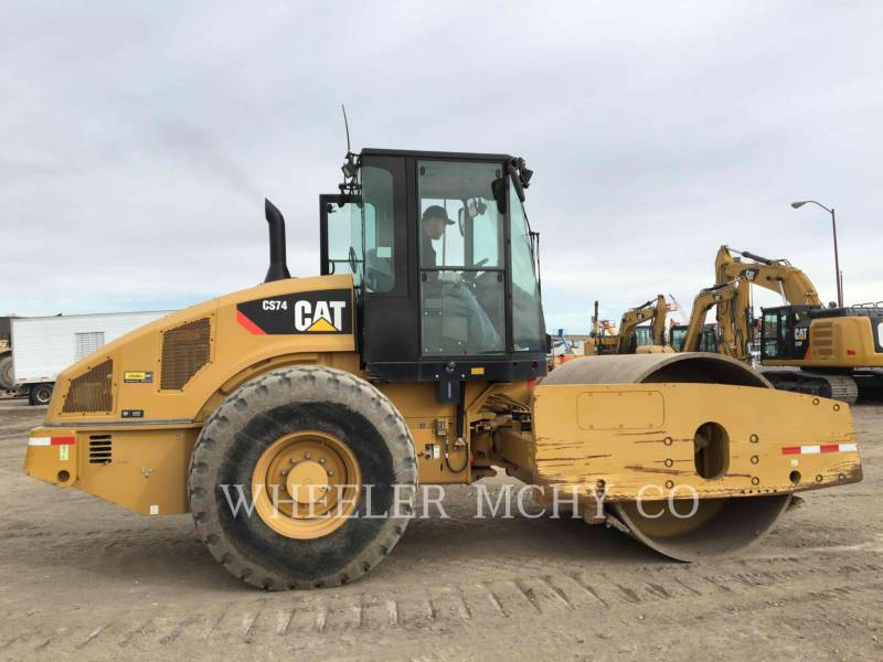 CATERPILLAR COMPACTEURS MIXTES CS74 equipment  photo 1