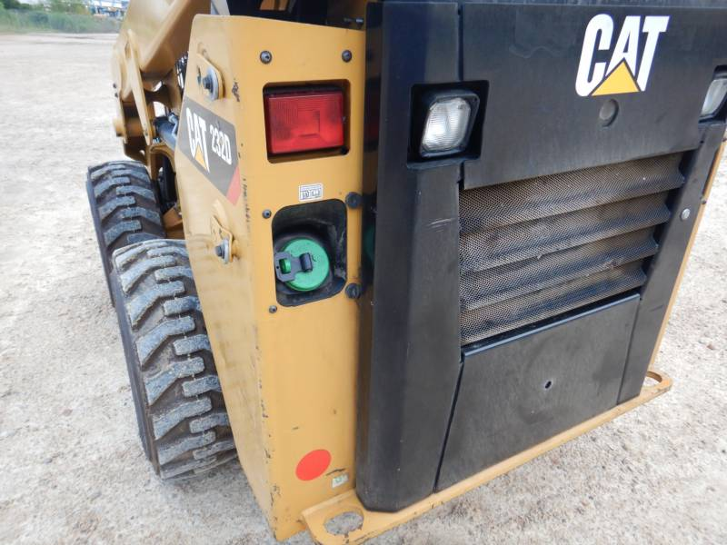 CATERPILLAR SCHRANKLADERS 232 D equipment  photo 17
