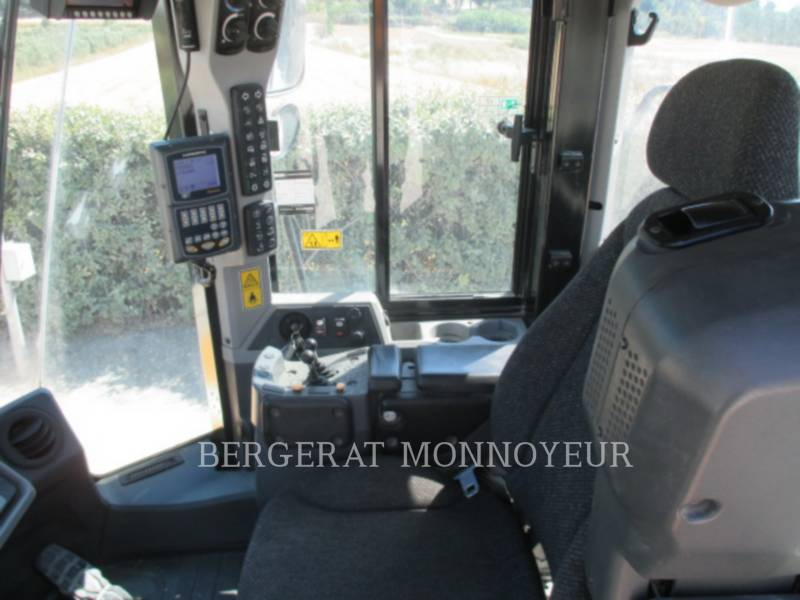 CATERPILLAR MINING WHEEL LOADER 972K equipment  photo 8