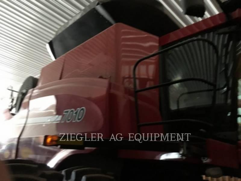 CASE/NEW HOLLAND COMBINES 7010 equipment  photo 1