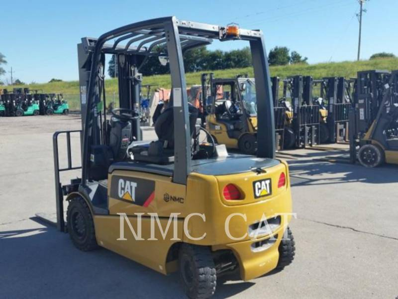 CATERPILLAR LIFT TRUCKS CHARIOTS À FOURCHE EP6000 equipment  photo 1