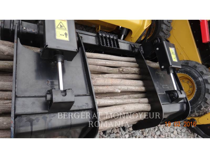 CATERPILLAR NARZ. ROB. - GRABIE RAKE equipment  photo 3