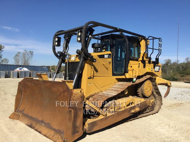 CATERPILLAR TRACK TYPE TRACTORS D6TXLSUA equipment  photo 1