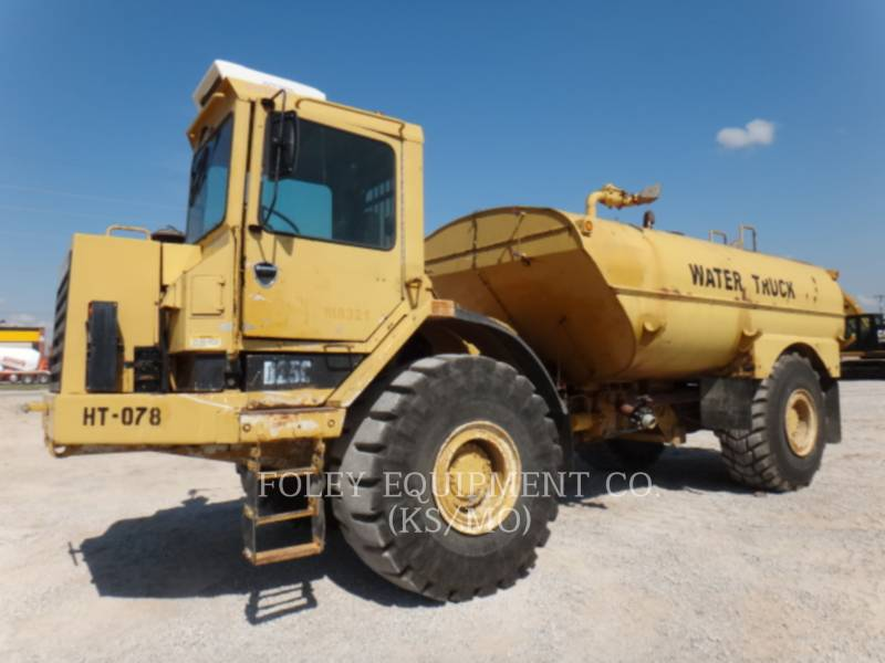 CATERPILLAR VAGONES DE AGUA D25C equipment  photo 1
