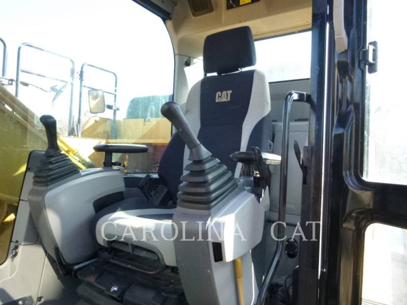 CATERPILLAR TRACK EXCAVATORS 326FL LR equipment  photo 5
