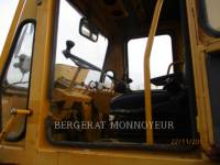 CATERPILLAR COMBINATION ROLLERS CB-525 equipment  photo 10