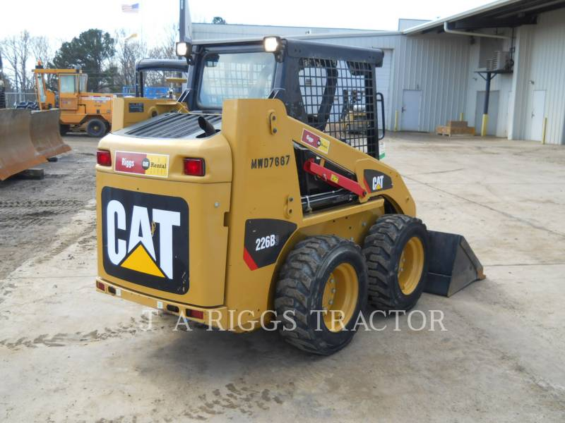CATERPILLAR CHARGEURS COMPACTS RIGIDES 226B equipment  photo 5