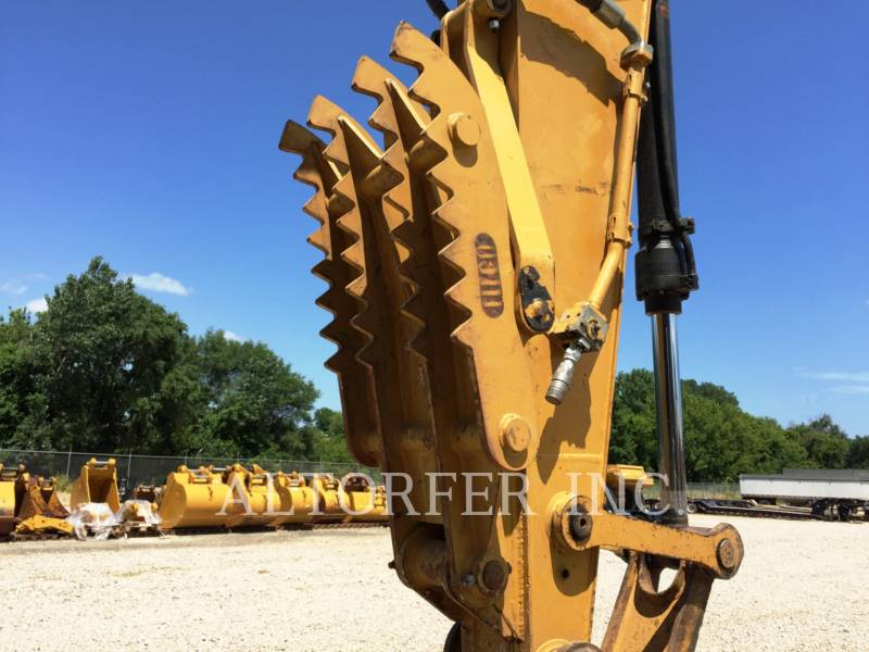 CATERPILLAR TRACK EXCAVATORS 320DL equipment  photo 17