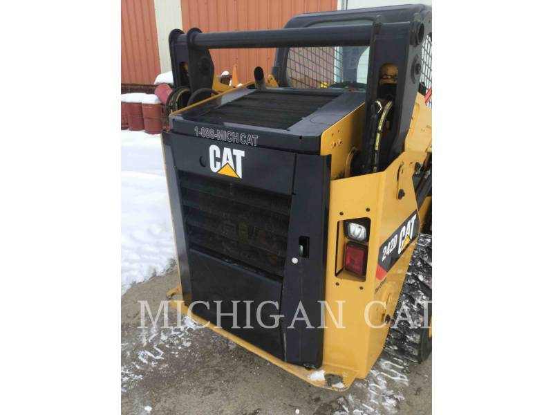 CATERPILLAR CHARGEURS COMPACTS RIGIDES 242D equipment  photo 13