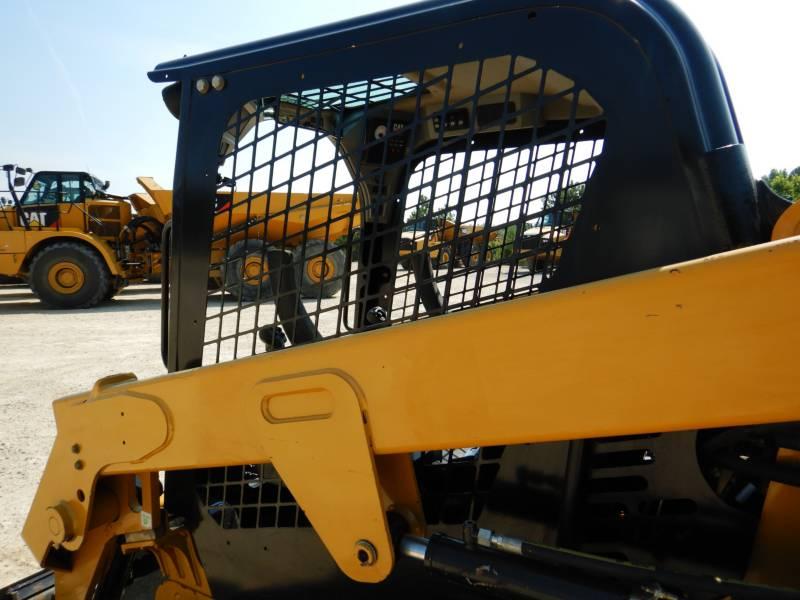CATERPILLAR PALE CINGOLATE MULTI TERRAIN 239D equipment  photo 24