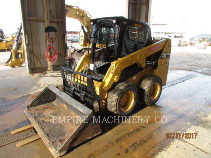 CATERPILLAR KOMPAKTLADER 226D equipment  photo 3