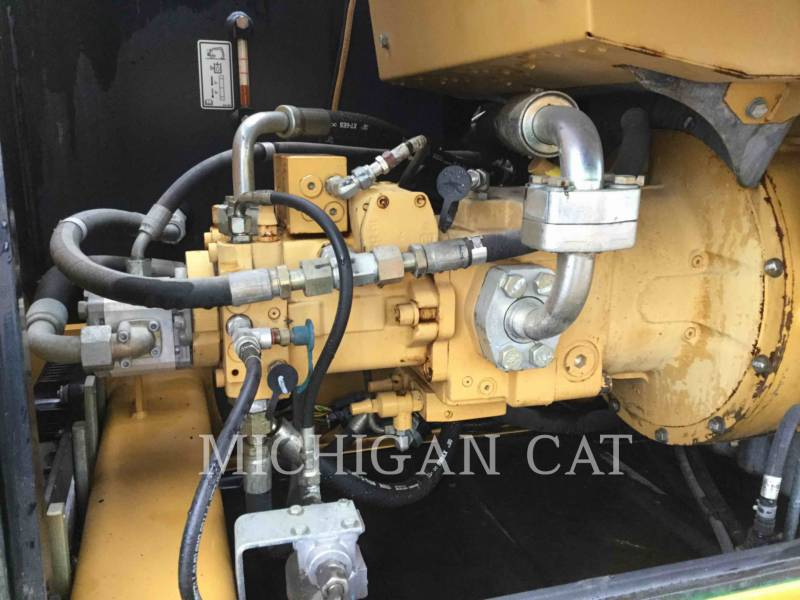 CATERPILLAR PELLES SUR PNEUS M322D equipment  photo 14