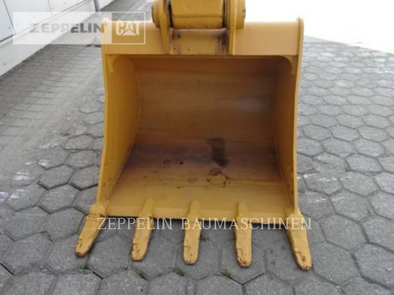 CATERPILLAR ESCAVATORI CINGOLATI 323D2L equipment  photo 11