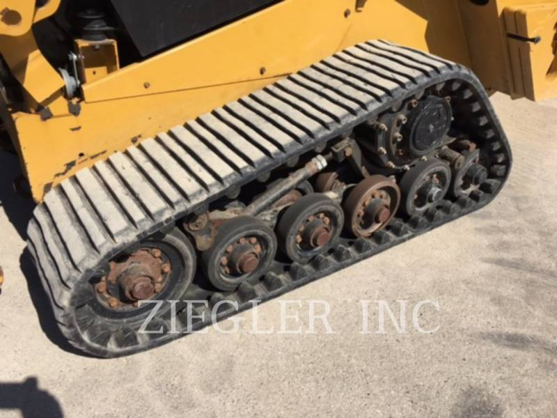 CATERPILLAR DELTALADER 257D equipment  photo 6