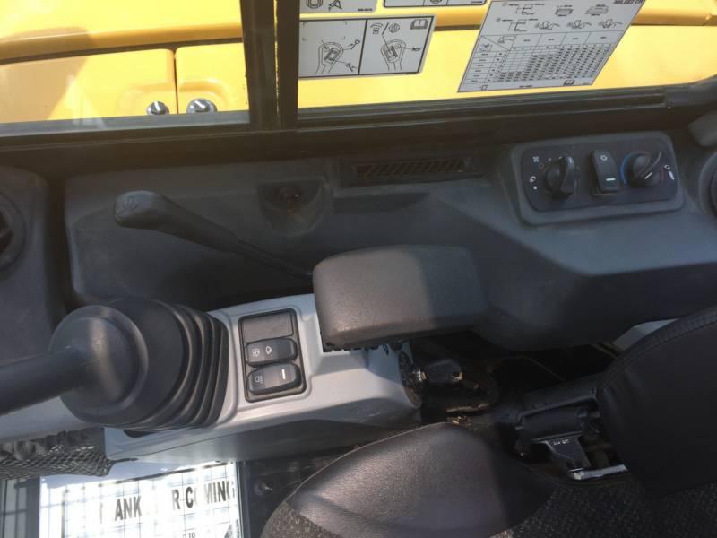 CATERPILLAR TRACK EXCAVATORS 305.5E2CR equipment  photo 18