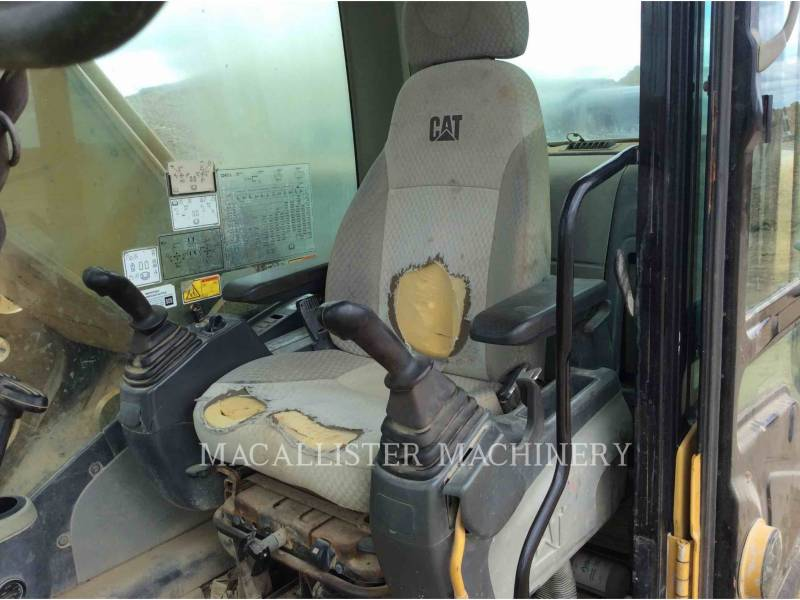 CATERPILLAR KETTEN-HYDRAULIKBAGGER 324DL equipment  photo 19