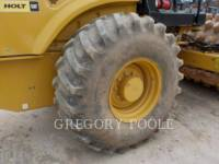 CATERPILLAR VIBRATORY SINGLE DRUM PAD CP-56B equipment  photo 19