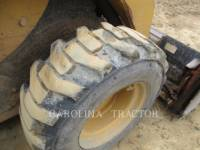 CATERPILLAR SKID STEER LOADERS 262B equipment  photo 10