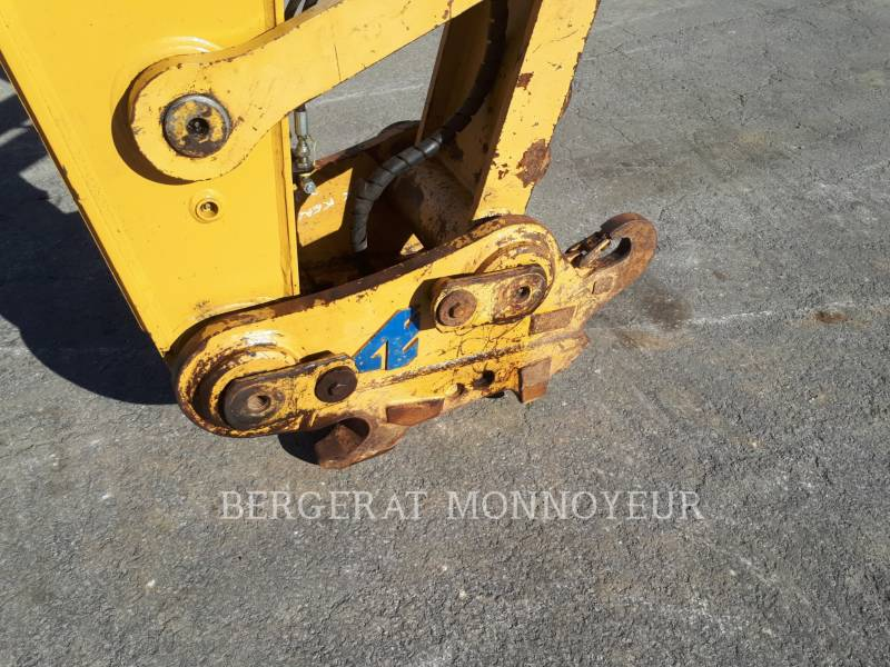 CATERPILLAR EXCAVADORAS DE CADENAS 320E equipment  photo 17