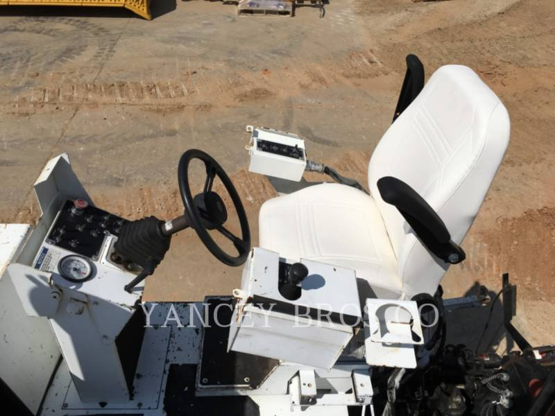 ROADTEC PAVIMENTADORA DE ASFALTO RP190 equipment  photo 17