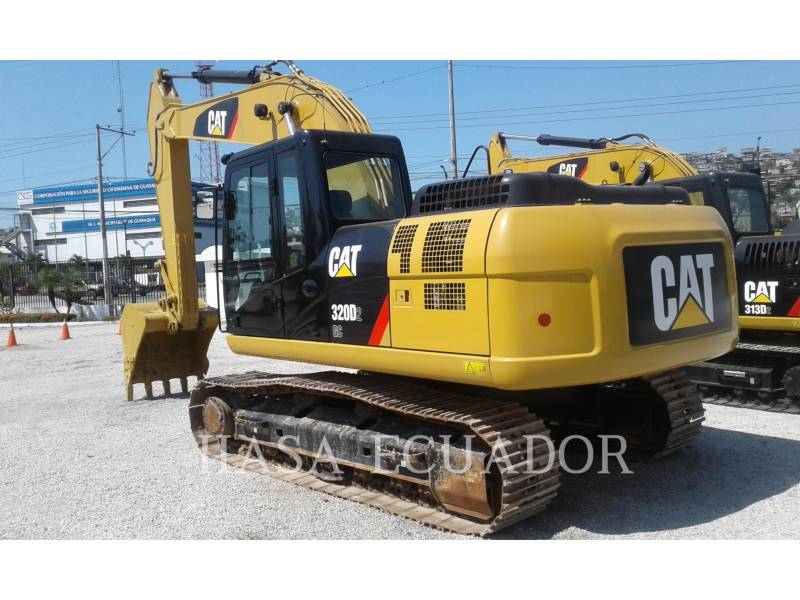 CATERPILLAR ESCAVATORI CINGOLATI 320D2GC equipment  photo 2
