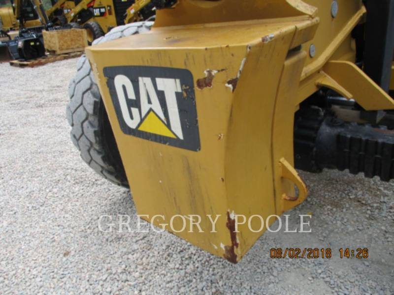 CATERPILLAR TELEHANDLER TL943C equipment  photo 16