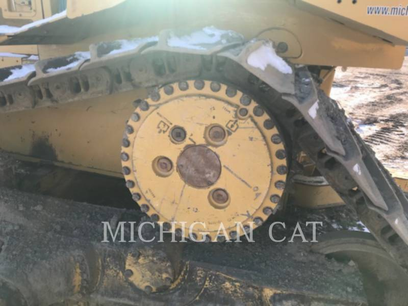CATERPILLAR TRACK TYPE TRACTORS D6R equipment  photo 11