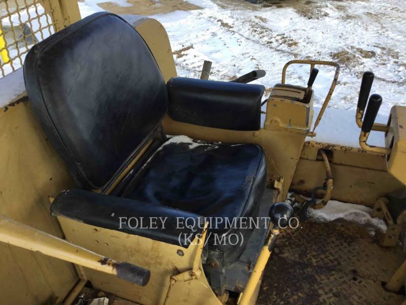 CATERPILLAR TRACTEURS SUR CHAINES D7F equipment  photo 11