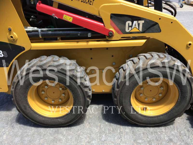 CATERPILLAR CHARGEURS COMPACTS RIGIDES 216B3LRC equipment  photo 6