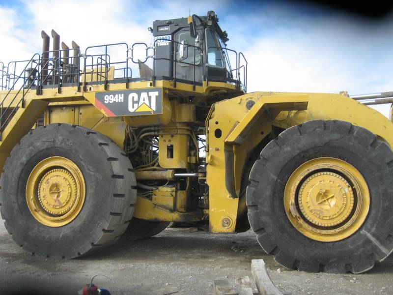 CATERPILLAR CHARGEURS SUR PNEUS MINES 994H equipment  photo 2