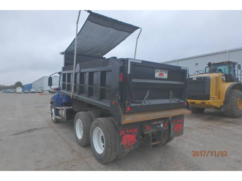 CATERPILLAR LKW CT660S equipment  photo 4