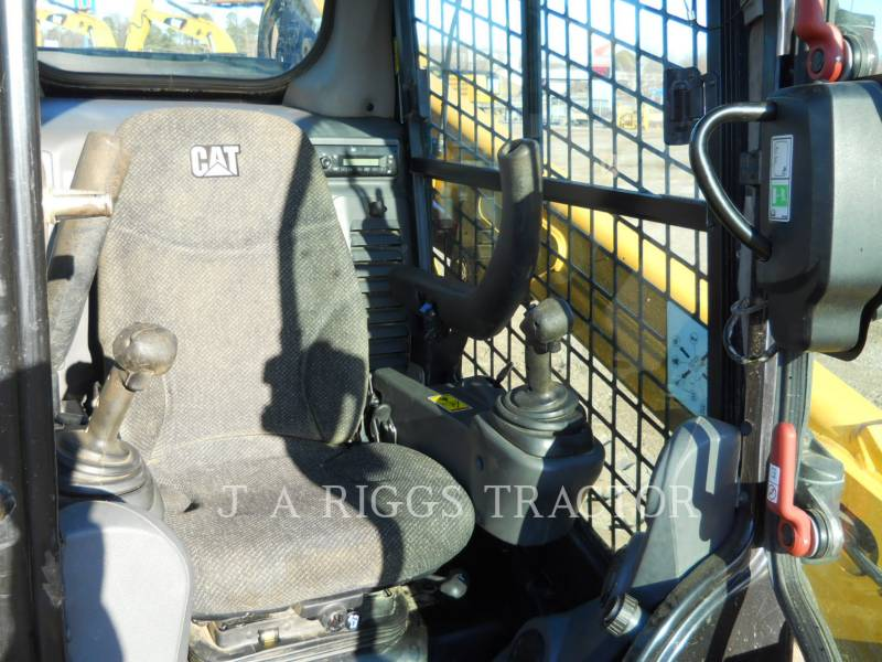 CATERPILLAR CHARGEURS TOUT TERRAIN 289D AH equipment  photo 14