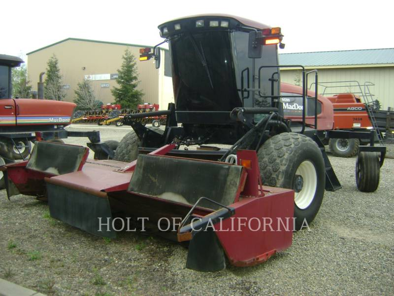 MACDON INDUSTRIES LTD AG WINDROWERS M200   GT10724 equipment  photo 1