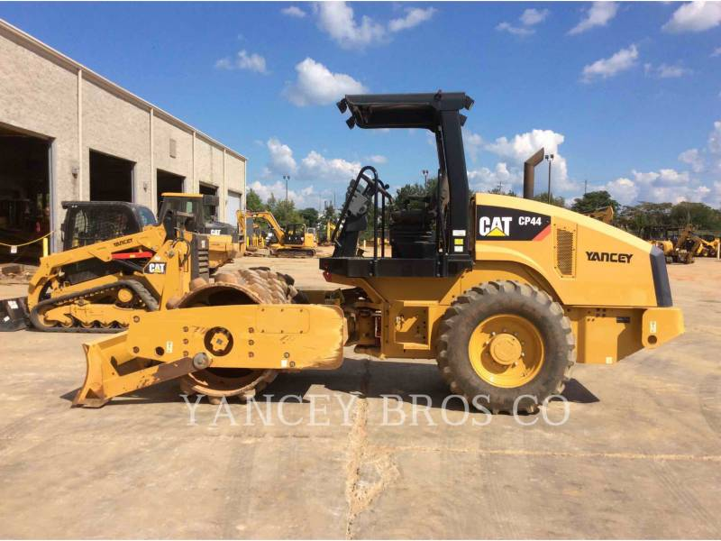 CATERPILLAR COMPACTORS CP44 equipment  photo 8